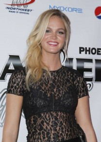 Erin-Heatherton -Leather-and-Laces-Super-Bowl-XLIX-Party--02-300x420