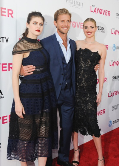 "LOS ANGELES, CA - AUGUST 23: Alexandra Daddario, Matt Barr and Kate Upton attends ""The Layover"" film premiere hosted by Vertical Entertainment, Direct TV, Foster Grant and SVEDKA on August 23, 2017 in Los Angeles, California. (Photo by Amy Graves/Wireimage) *** Local Caption ***Alexandra Daddario;Matt Barr;Kate Upton"