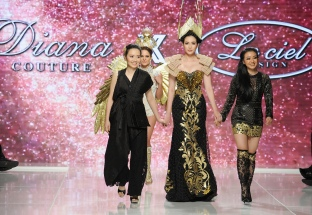 LOS ANGELES, CA - OCTOBER 07: Diana Couture x Le Ciel Design fashion designers walk the runway with a model (C) at Los Angeles Fashion Week SS18 Art Hearts Fashion LAFW on October 7, 2017 in Los Angeles, California. (Photo by Arun Nevader/Getty Images for Art Hearts Fashion)